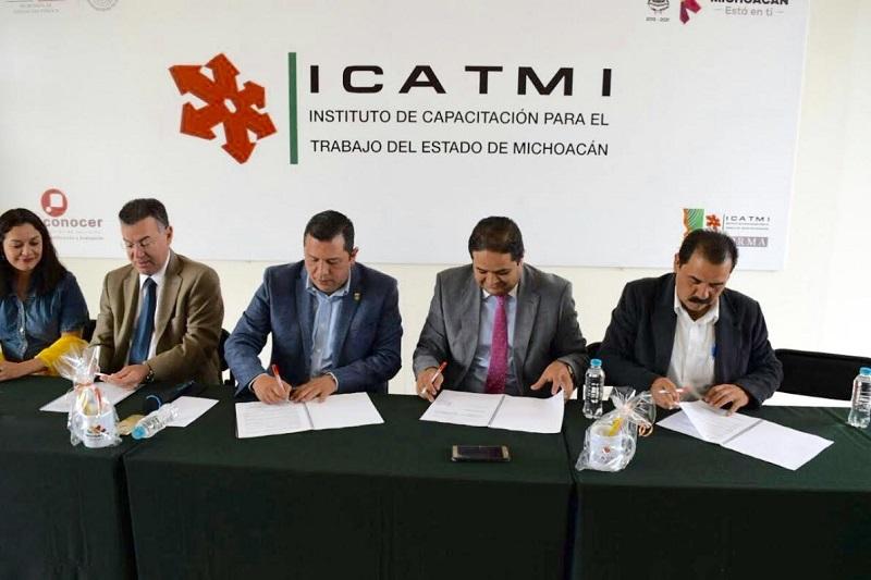 A partir de octubre se impartirá el curso de primeros auxilios para el personal que labora en las notarías de Michoacán