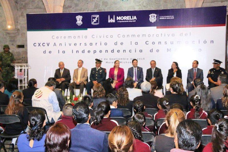 """""""El reto que enfrentamos en la actualidad es lograr la unión entre mexicanos con diferentes ideologías y proyectos de nación, además de lograr acuerdos que prioricen el bien común"""", expresó Heredia Pacheco"""