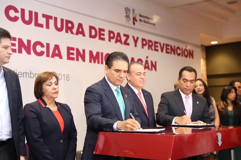 Aureoles Conejo agradeció a la LXXIII Legislatura el esfuerzo realizado en la construcción de acuerdos, alcanzar los consensos para construir este instrumento legal que servirá para fortalecer las instituciones