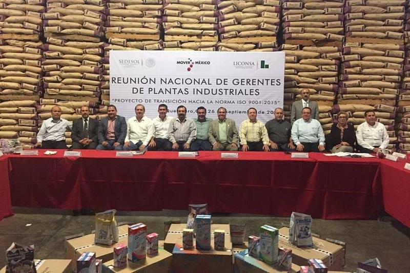 Gerónimo Color recibió felicitaciones y el reconocimiento de parte de los asistentes por la gran gestión que ha realizado al frente de la Planta LICONSA Gral. Lázaro Cárdenas del Río, ubicada en Jiquilpan