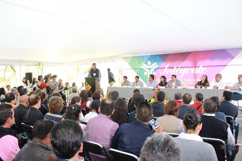 En el foro se generó ante la intención de la Federación, a través de la CONANP, de hacer un convenio con el Ayuntamiento de Uruapan para que éste se haga cargo de la administración del Parque Nacional
