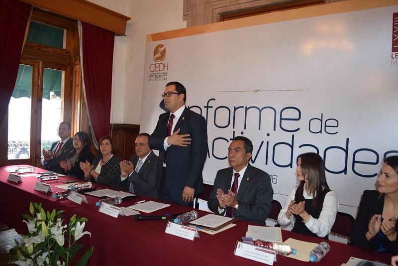 En el Salón de Recepciones del Congreso del Estado, Serrato Lozano enfatizó que el derecho a la seguridad pública es el más recurrente, exigido y el más anhelado por la sociedad michoacana