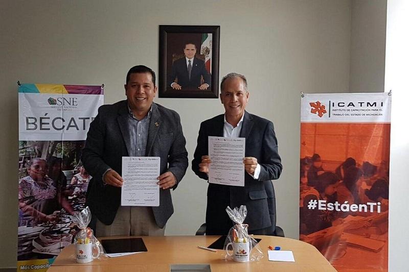 A través de este convenio de colaboración, el SNE se comprometió a organizar los grupos de personas que demanden capacitación para el trabajo