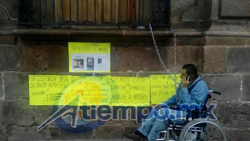 Muñoz del Castillo asegura que la madrugada del pasado 15 de septiembre fue desalojado del mismo lugar por elementos de la Policía Michoacán (FOTO: FRANCISCO ALBERTO SOTOMAYOR)