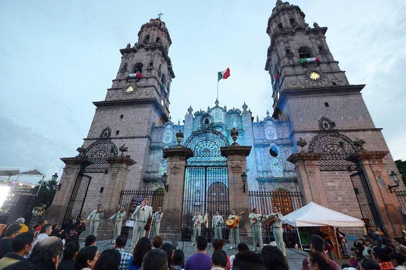 Martínez Alcázar reconoció que poco a poco la confianza de Morelia se ha recobrado y muestra de ello es que cada uno de los eventos masivos realizados en el último año en el Primer Cuadro de la ciudad, han sido muy nutridos