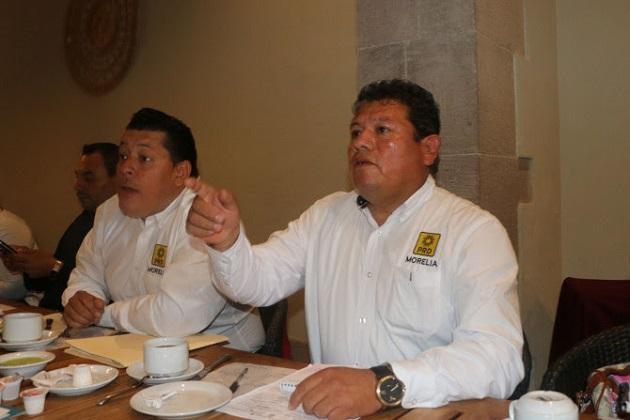 """""""El PRD en Morelia está en un proceso interno para cambiar la dirigencia y tenga un presidente interino hasta 2017, en lo que nos corresponde seguiremos apoyando al partido"""", dijo Montes Polvorilla"""