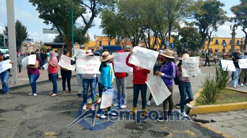 La semana pasada el Gobierno de Michoacán y la Universidad ofrecieron a los estudiantes casi 23 mil espacios en la misma casa de estudios, así como en universidades y tecnológicos estatales, mismos que han rechazado (FOTOS: FRANCISCO ALBERTO SOTOMAYOR)
