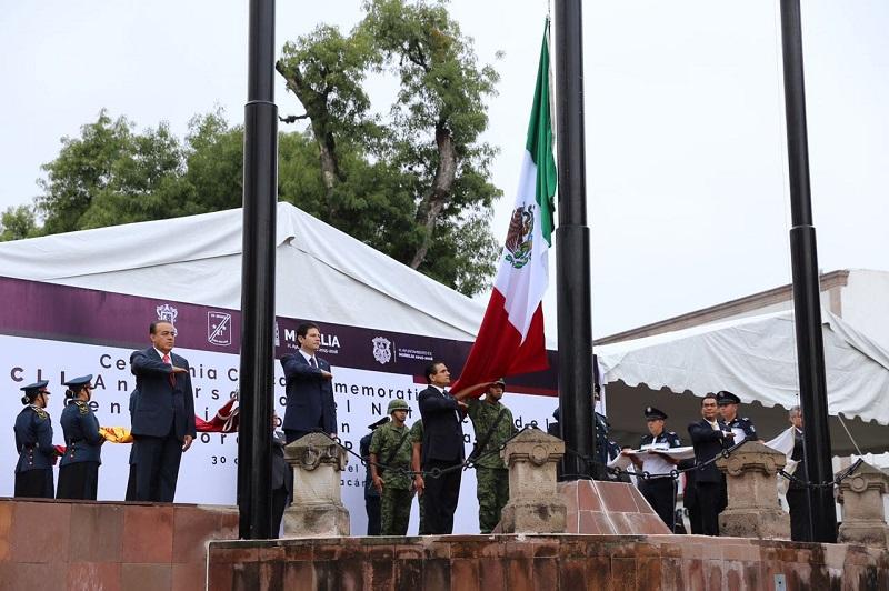 En la Plaza Jardín Morelos, el mandatario estatal estuvo acompañado del mando especial para la seguridad de Michoacán, general Pedro Felipe Gurrola Ramírez