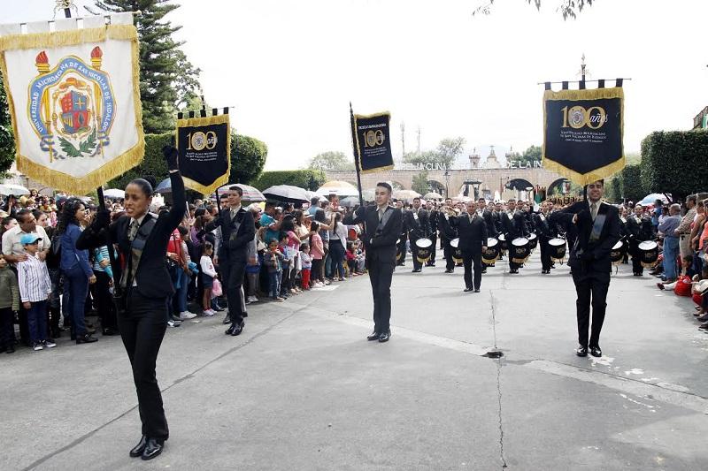 Participa la Casa de Hidalgo con el contingente más extenso en la columna en honor a José María Morelos y Pavón