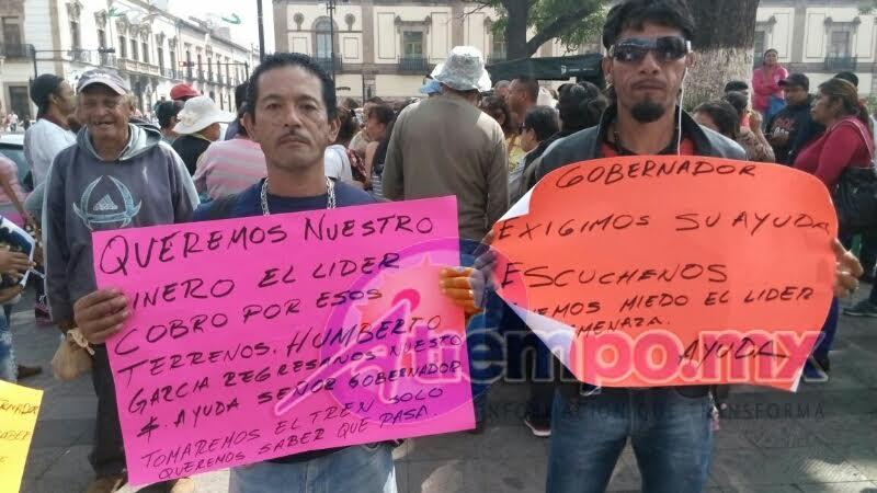 Los manifestantes amenazan con tomar el tren en caso de no recibir respuesta del Gobierno de Michoacán (FOTOS: MARIO REBOLLAR)