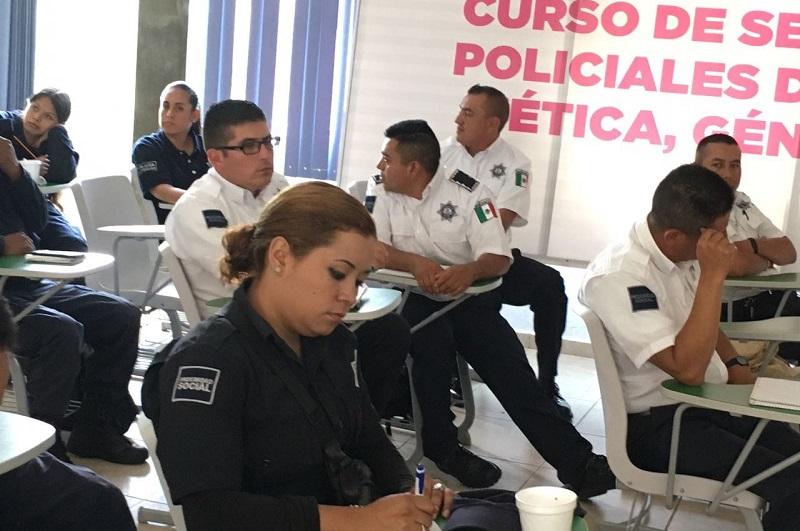 La titular de la Seimujer, Fabiola Alanís, destacó la importancia de contar con policías sensibilizados en materia de violencia de género