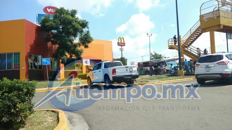 Pánico y zozobra provocaron los hechos de este mediodía en las afueras de la Plaza Comercial La Huerta (FOTOS: FRANCISCO ALBERTO SOTOMAYOR)