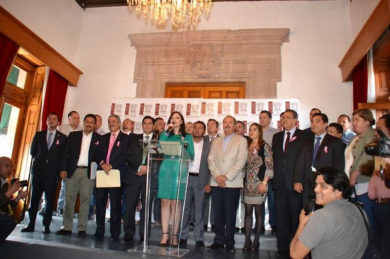 El dirigente estatal del tricolor, Víctor Silva, recalcó que el gobierno federal está implementando un importante recorte al gasto público en sus dependencias