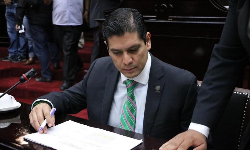 De ser aprobada la iniciativa se agilizará y transparentará la administración pública y su relación con proveedores y prestatarios de servicios locales, nacionales o internacionales: Núñez Aguilar