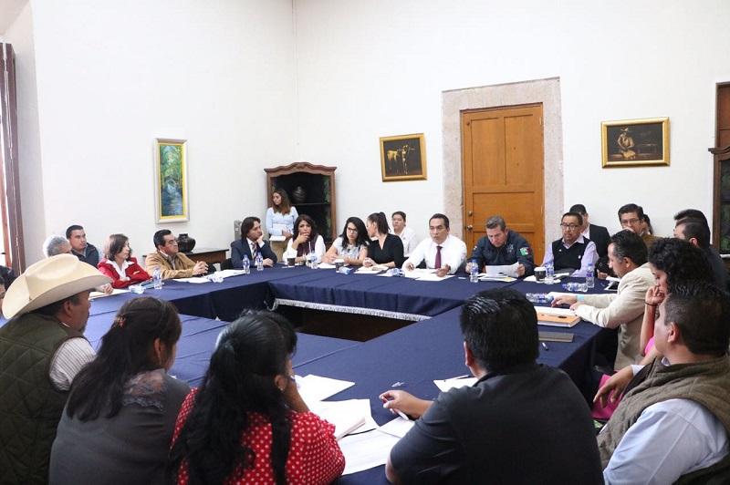 López Solís y titulares y representantes de distintas dependencias de la administración estatal hicieron un balance de las obras y programas que se han implementado en los últimos meses en la localidad