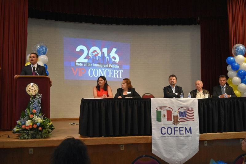 """Aureoles Conejo participó en la 11a Conferencia Anual """"El poder del voto inmigrante"""", en Los Ángeles, California"""