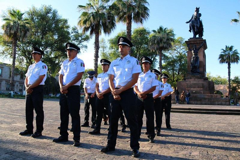 Hoy en día los miembros de la Policía Municipal portan un uniforme de calidad internacional y de condiciones laborales óptimas que enaltece su trabajo: Martínez Alcázar
