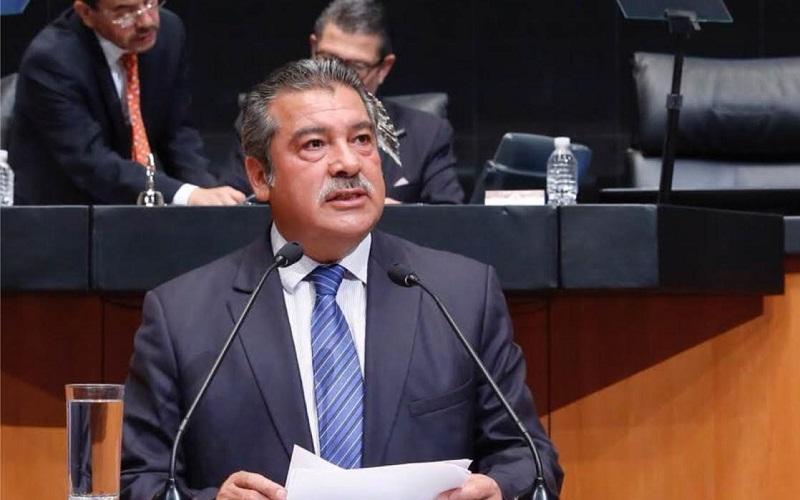 """A pesar de todo, Morón Orozco adimtió que """"todos tenemos derecho a la educación, pero las universidades son insuficientes para albergar la cantidad de alumnos que demandan su ingreso en Michoacán"""""""