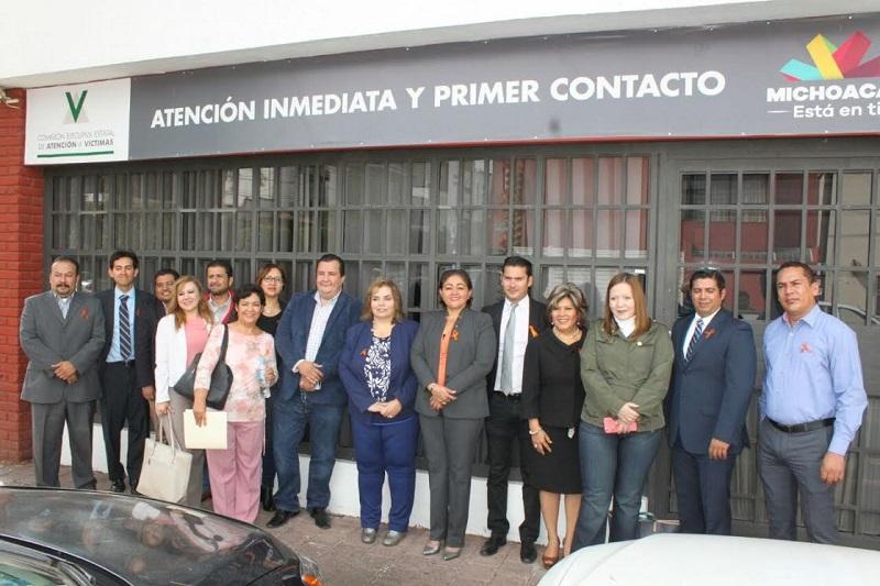 La comisionada presidenta Selene Vázquez celebró que la CEEAV sea la primera área de gobierno en la que la SECOEM instala el buzón naranja