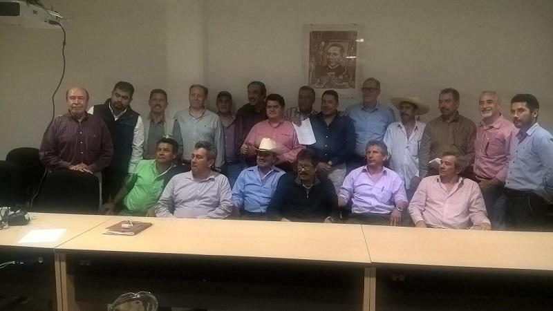 Se acordó con los productores y directivos de la Asociación instalar mesas de trabajo para revisar y atender sus inquietudes