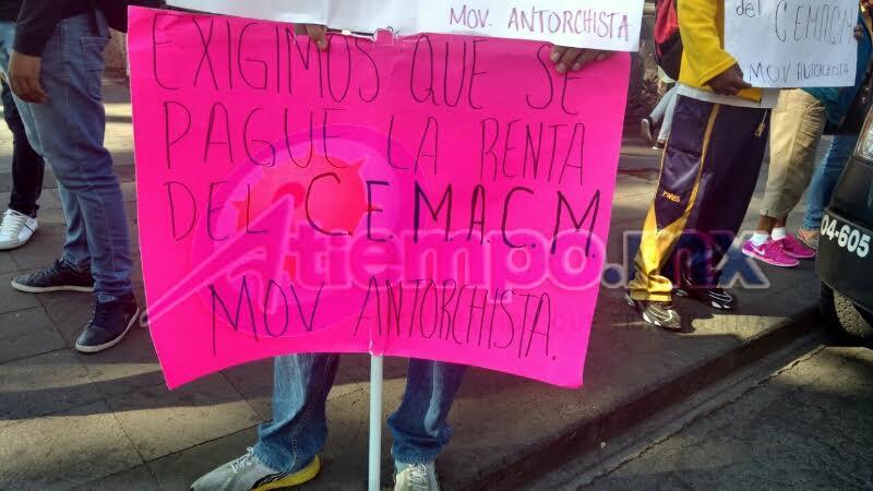 Los manifestantes acusan al subsecretario de Gobernación, Armando Hurtado, y al delegado administrativo de la SEE, Víctor Hugo Espitia, de incumplir acuerdos (FOTOS: FRANCISCO ALBERTO SOTOMAYOR)