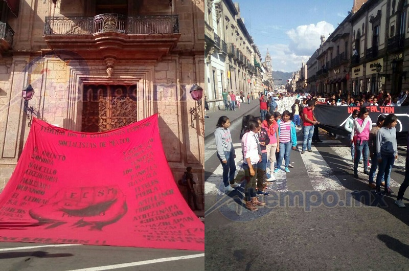 Los manifestantes conmemoraron la supuesta represión de que fueron objeto el 15 de octubre de 2012, cuando en la Escuela Normal Rural de Tiripetío destrozaron y quemaron 28 vehículos para impedir que fueran recuperados por las fuerzas del orden (FOTOS: MARIO REBOLLAR)
