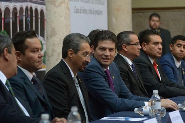 Durante el discurso oficial, Gerardo Sánchez Díaz, académico del Instituto de Investigaciones Históricas, hizo un recuento de la vida de la Casa de Hidalgo, en donde recordó que fue la primera en ser autónoma en el Continente Americano