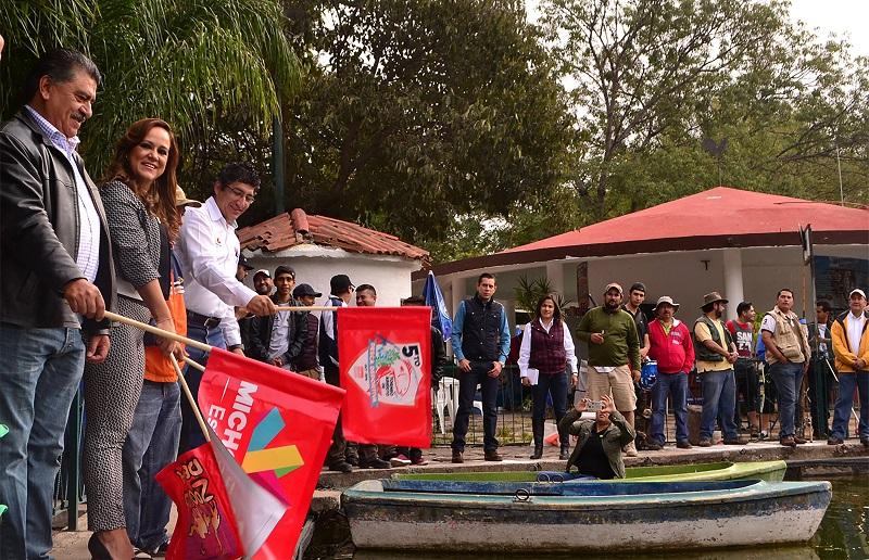 Josué Rangel Díaz agradeció la participación de todos los competidores e invitó a la ciudadanía a asistir a las actividades que el Parque Zoológico de Morelia llevará a cabo durante el mes de octubre