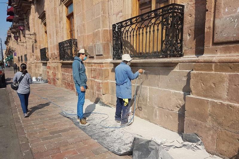 Cabe mencionar que los trabajos de limpieza comenzaron desde el domingo por la mañana y continuarán a lo largo de esta semana