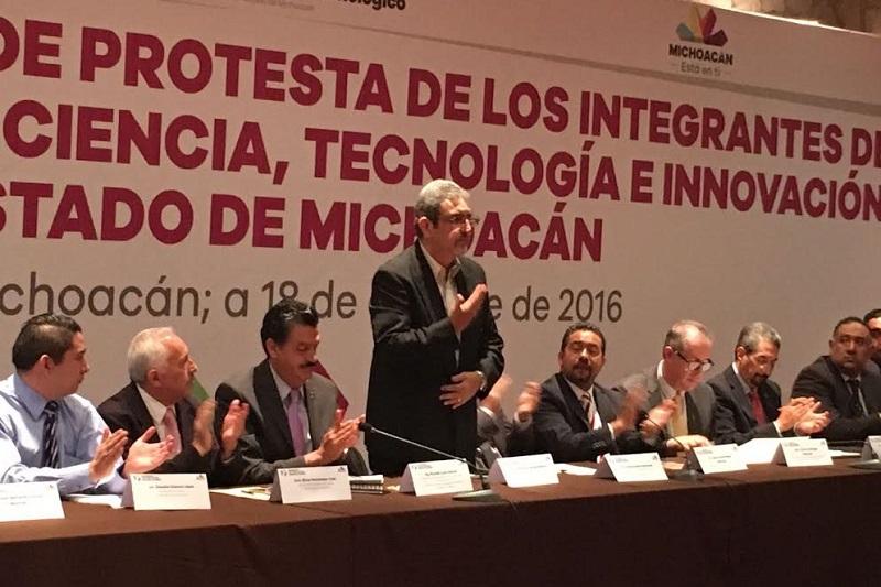 Michoacán, dijo, ocupa por séptimo año en forma consecutiva el primer lugar en valor de la producción con ingresos de exportaciones agropecuarias por arriba de los 48 mil millones de pesos; siendo el aguacate el referente mundial por excelencia