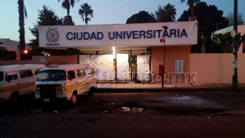 Siguen manos ajenas metidas en el conflicto de la Universidad Michoacana (FOTOS: MARIO REBOLLAR)