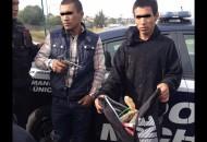 A los delincuentes se les aseguraron un arma, una motocicleta, dinero en efectivo, tarjetas de crédito y algunos otros artículos presuntamente robados