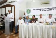 Aureoles Conejo asistió al desayuno con la sección Agronómica y la Agropecuaria Profesional del Valle de Apatzingán