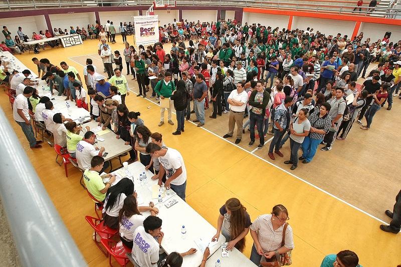 Para poder acceder al programa es necesario ingresar a la página http://becafuturo.michoacan.gob.mx/, donde se debe hacer un registro