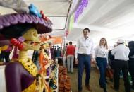 Alrededor de 200 artesanos muestran sus mejores piezas en un mismo número de stands; además, se instalaron 50 stands de gastronomía hacen gala de los platillos típicos