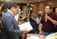 El secretario general de la sección XVIII de la CNTE, Víctor Zavala Hurtado se comprometió a privilegiar el diálogo para resolver los problemas que les aquejan y así lograr una verdadera transformación educativa