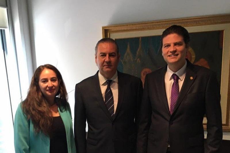 Alfonso Martínez reiteró el compromiso de la actual administración por establecer lazos de desarrollo económico, que se traduzcan en crecimiento para las empresas locales y generen oportunidades de trabajo para los jóvenes morelianos