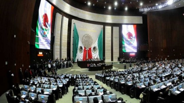 Dos priistas apoyaron la iniciativa que envió el presidente Enrique Peña Nieto el pasado 18 de mayo