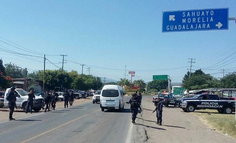 Como resultado, en pocas horas dos vehículos y 11 motocicletas fueron remitidas al corralón, se despolarizaron 37 unidades y se levantaron 19 infracciones