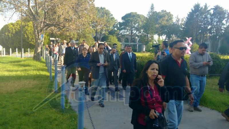 Serna González confirmó que en el transcurso del día se podrán reanudar las actividades académicas y de investigación en el campus, una vez que hayan concluido los preparativos correspondientes (FOTOS: FRANCISCO ALBERTO SOTOMAYOR)