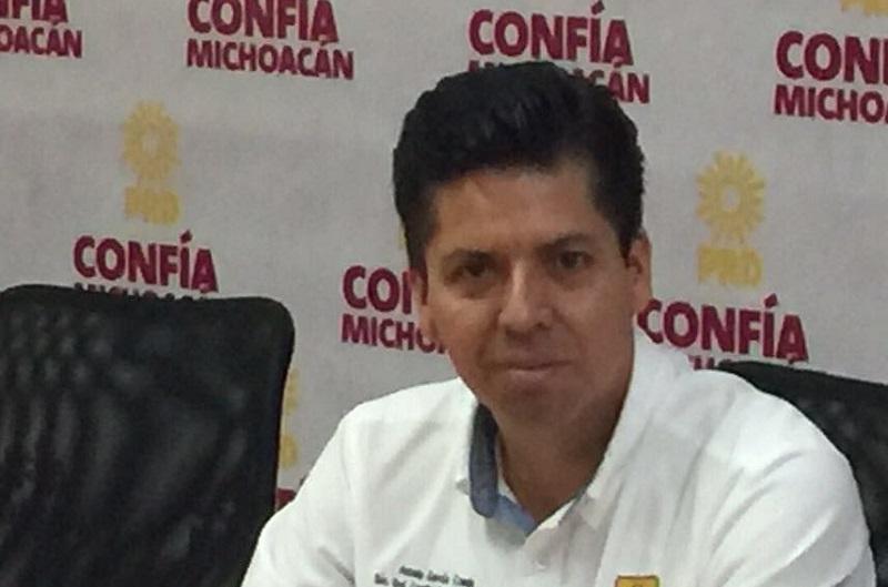 García Conejo, recordó que estas acciones irán acompañadas de gestión para las bases, que muchos olvidan cuando llegan al poder