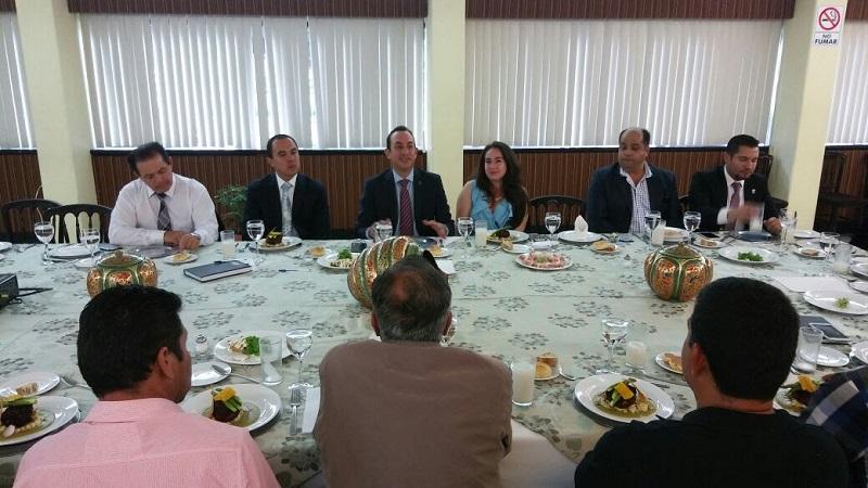 Encabeza titular de la Sedeco, reunión con autoridades del Ayuntamiento de Morelia y Jefes de Tenencia