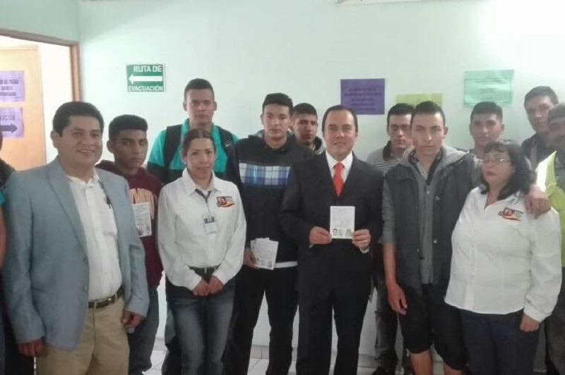 El Jefe de Departamento de la Junta Municipal de Reclutamiento, Arturo Nateras Espinoza expresó que es un valioso documento con el que debe contar la juventud moreliana y así cumplir con sus obligaciones como adultos
