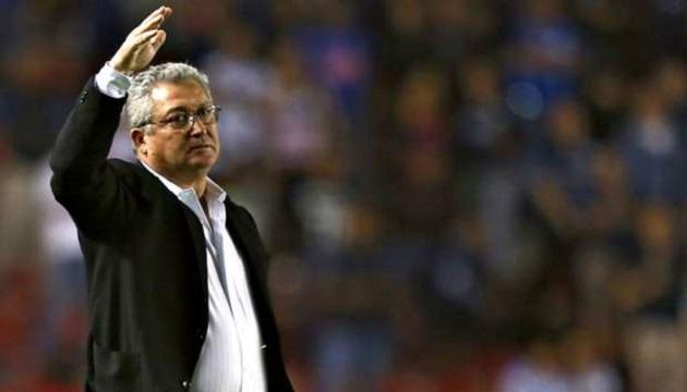 Sobre la existencia de una cláusula en el actual contrato de Vucetich que le permita abandonar a Querétaro aún con un torneo por cumplir, Villanueva aseguró que esta situación no sería necesaria, por el tipo de persona que es el técnico de su equipo