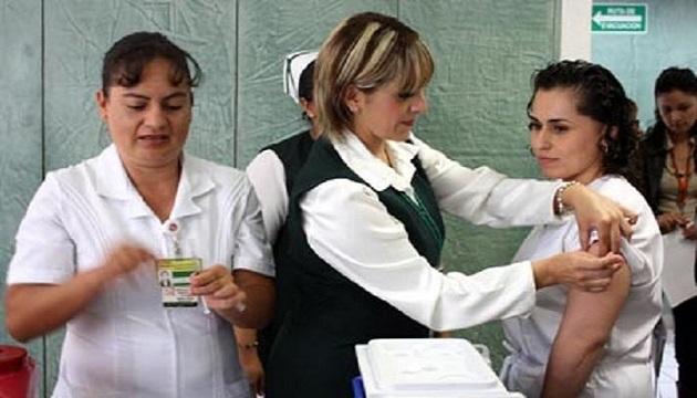 El Delegado Regional del IMSS Michoacán, Román Rosales Acosta aseguró que el Instituto cuenta con todos los recursos en cuanto a medicamento y personal capacitado para hacer frente a casos de influenza y enfermedades por neumococo en caso de algún brote