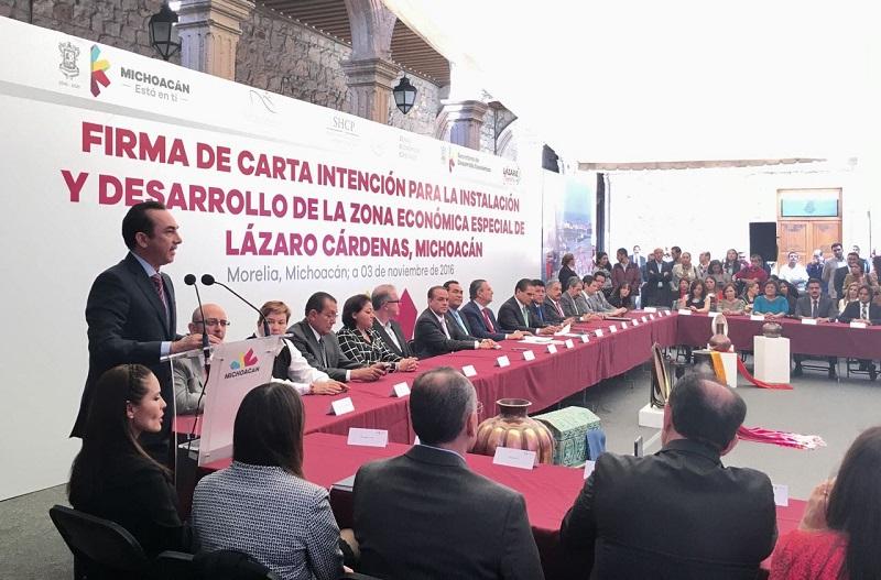 Lo anterior, después de una reunión con autoridades federales en la Ciudad de México, donde se desarrollan una serie de trámites y gestiones para que Michoacán tenga todo lo que se necesita para el máximo aprovechamiento de la ZEE