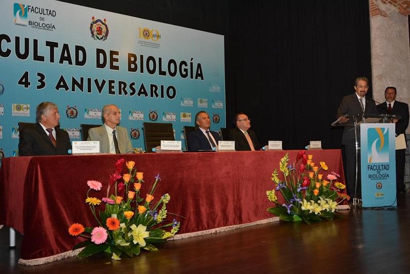 En el 43 aniversario de la Facultad de Biología, convoca el rector Serna a crear nuevas carreras al interior de esa dependencia académica