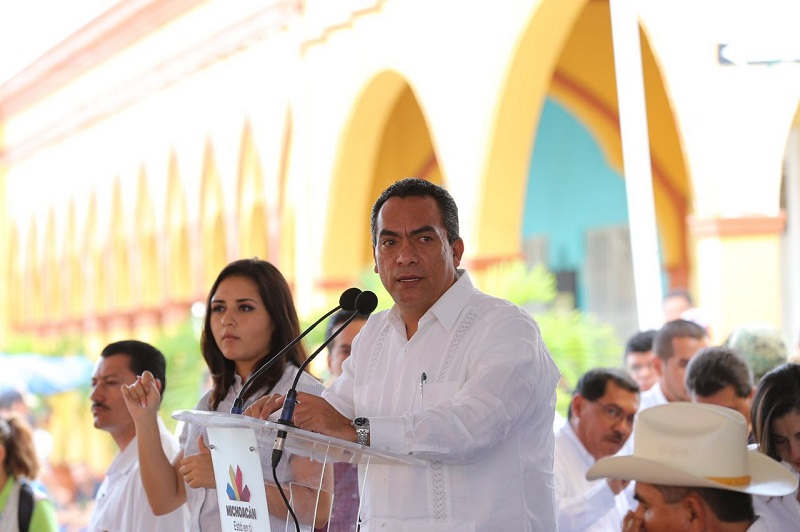 Ante el gobernador, Silvano Aureoles Conejo, el encargado de la política interna manifestó que el trabajo del gobierno debe hacerse pensando primordialmente en el bienestar general de la población