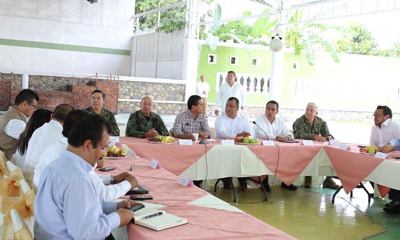 El mandatario estatal propuso al edil de Tepalcatepec, Aurelio Arreguín Madriz la aplicación de programas sociales para apoyo a la ciudadanía, además del reforzamiento de la seguridad pública