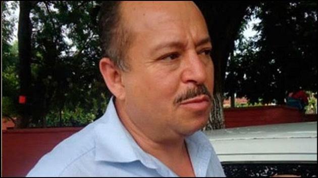 Martínez Pasalagua, lamentó la postura de los legisladores y consideró que les resulta más cómodo impulsar una ley de este tipo, que resolver y responder las demandas de una población cansada de la corrupción y malos gobiernos